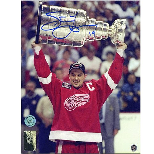Steve Yzerman 1998 Stanley Cup Detroit Red Wings Signed 8x10 Photo