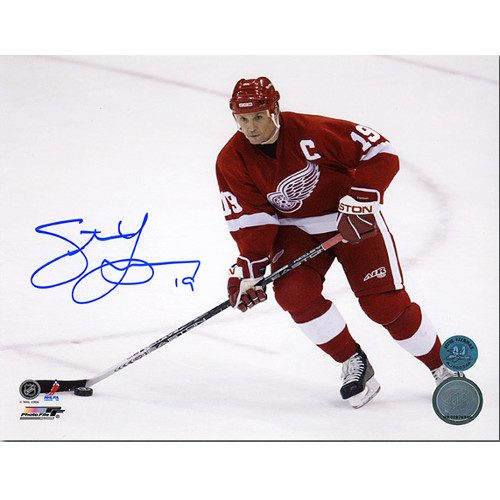 Steve Yzerman Autographed Picture-8x10 Detroit Red Wings Horizontal Action Pic