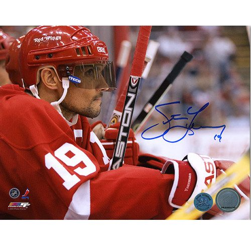 Steve Yzerman Detroit Red Wings Bench Close-Up Signed 8x10 Photo