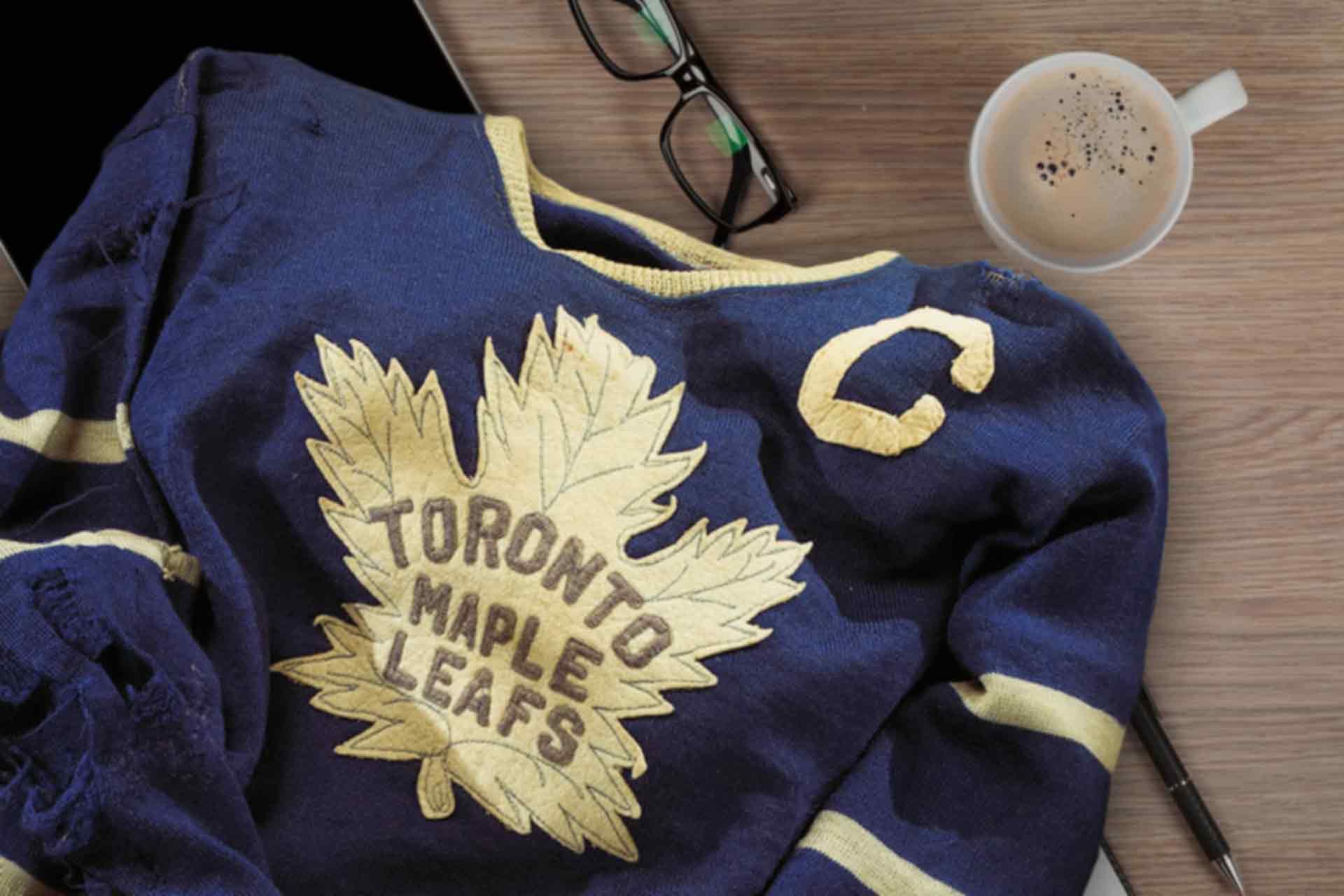 Vintage Toronto Maple Leafs Hockey Jersey
